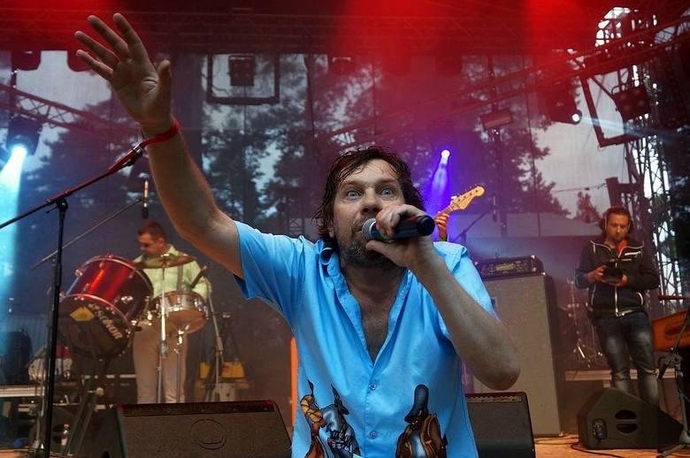Z każdą chwilą przybywa fanów Festiwalu Muzyki Młodej Białorusi BASowiszcza. Na scenie ciekawie zaprezentował się ukraiński zespół Gogodzy Ganski.