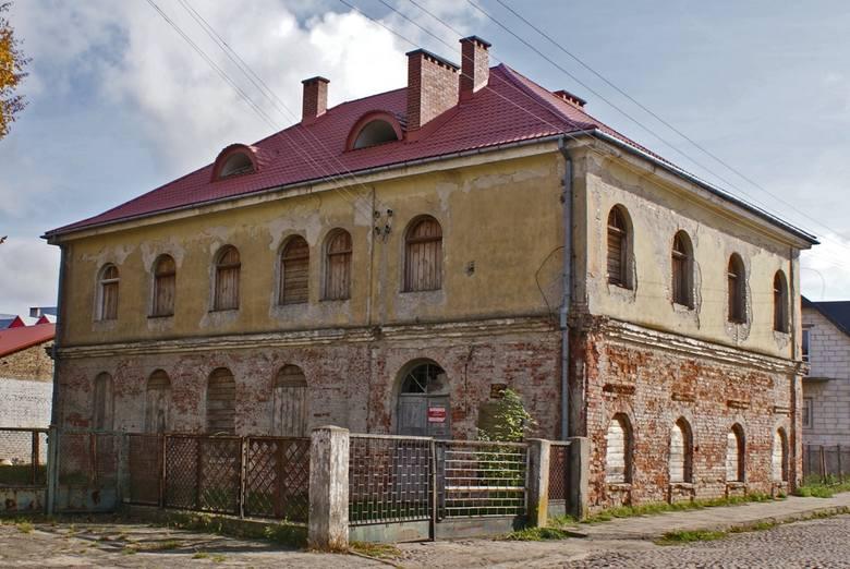 Synagoga w Ciechanowcu odzyska dawny blask. Budynek czeka remont elewacji (zdjęcia)
