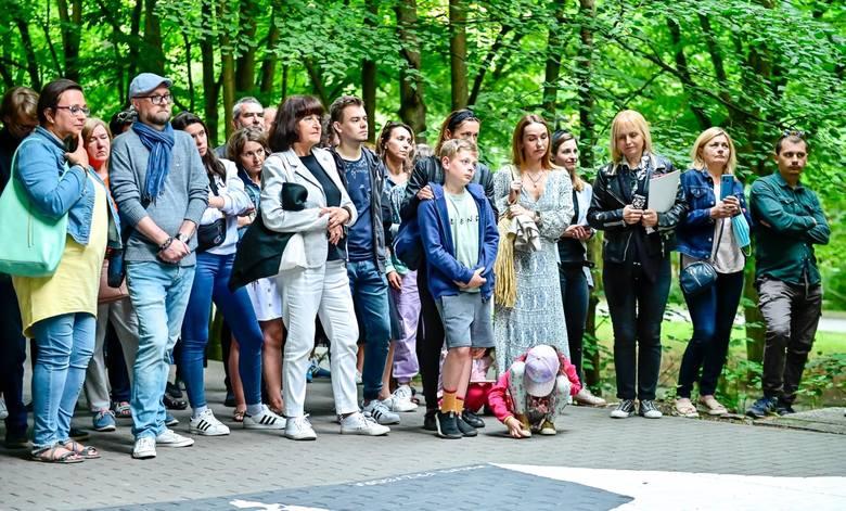 23.07.2020 Sopot. Ooficjalnie odsłonięcie Stars'n'roll. Murale na drodze do Opery Leśnej