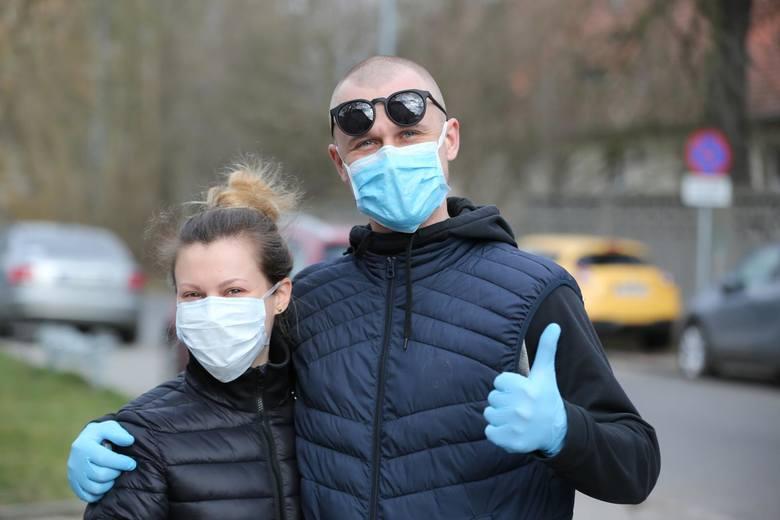 Rząd znosi kolejne zakazy związane z pandemią koronawirusa. Znamy również kilkuetapowy plan odmrażania polskiej gospodarki.  Sprawdź, co się zmieniło