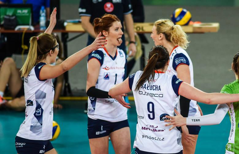 W meczu 12. kolejki Ligi Siatkówki Kobiet Pałac Bank Pocztowy Bydgoszcz pokonał ŁKS Łódź 3:1 (26:24, 25:27, 25:23, 25:16) i zrewanżował się za porażkę