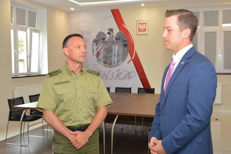 23 kwietnia przedstawiciel Ambasady USA w Warszawie John Anderson przekazał w użytkowanie Komendantowi W-MOSG płk. SG Robertowi Inglot sprzęt w postaci