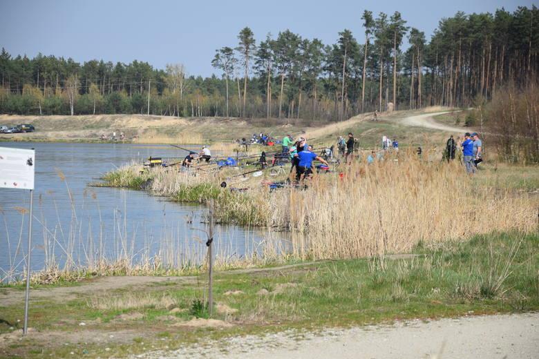 Czerwieńsk - rekreacyjne miejsce nad wodą po prawej stronie wjazdu do miasta (od strony Zielonej Góry).
