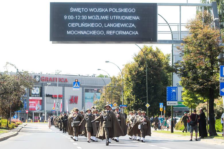Tak żołnierze świętowali w RzeszowieZOBACZ TEŻ: Nowy sztandar dla Komendy Miejskiej Policji w Rzeszowie