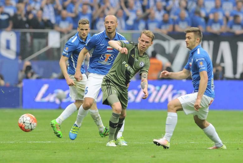Lotto Ekstraklasa. Biorąc pod uwagę szacowne dane można stworzyć bilans transferowy wszystkich klubów Ekstraklasy z ostatnich lat. Kto zgarnął największy