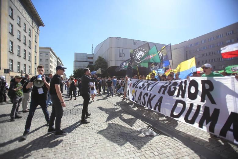 Zamieszki na placu Sejmu Śląskiego w Katowicach 6 maja 2018