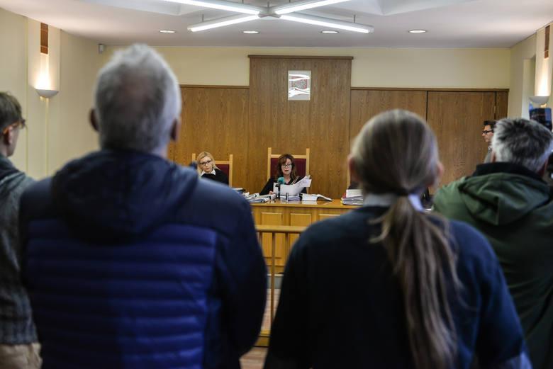 Przewodnicząca trzyosobowego składu sędziowskiego, sędzia Mariola Jaroszewska krytycznie odniosła się do działań urzędników starosty tczewskiego