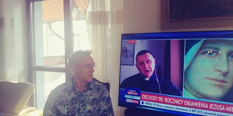 - Ile według Sony mogę dziennie oglądać TVP Info? Czy może mam w ogóle nie oglądać i być odciętym od informacji? – zastanawia się pan Tadeusz z Kiel