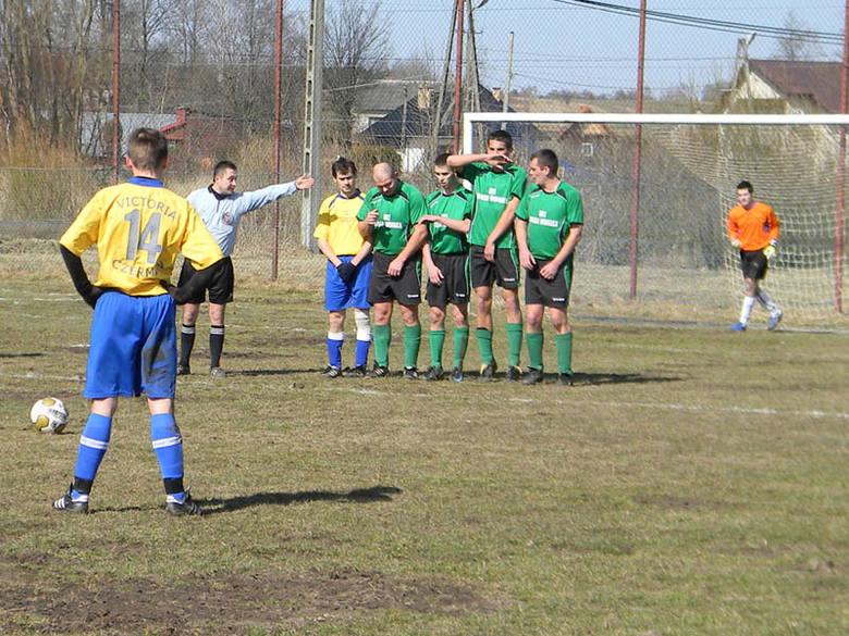 Fragment meczu grupy II: Widełka (na zielono) - Czermin.