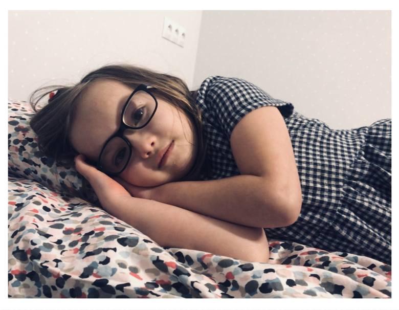 Dziesięcioletni Dawid opiekuje się swoją o rok młodszą siostrzyczką. Po szkole bawi się z nią, czyta jej książki. - To jej Anioł Stróż - uważa mama dzieci,