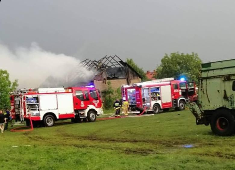 Burze w województwie podlaskim. Budynki płonęły od uderzeń piorunów