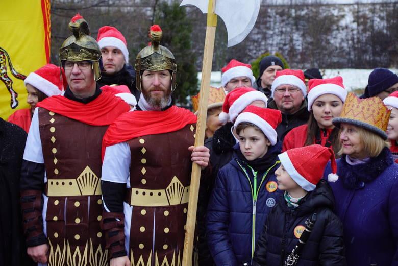 Po raz pierwszy w Sławnie odbył się historyczny Orszak Trzech Króli. Tłum mieszkańców miasta, jak i innych okolicznych miejscowości przemaszerował ulicami.