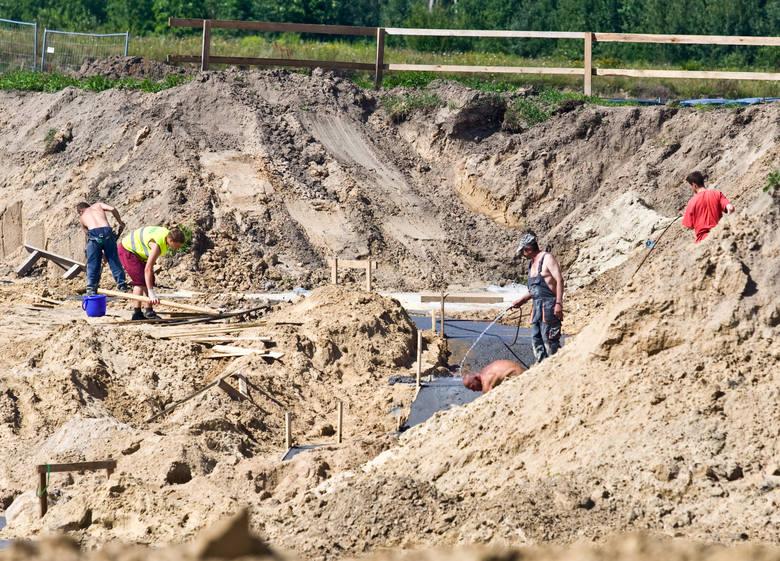 Ponad siedem lat po planowanym otwarciu, słupski akwapark Trzy Fale jest gotowy. 12 lipca wykąpią się w nim pierwsi słupszczanie. Na dzień przed oficjalnym