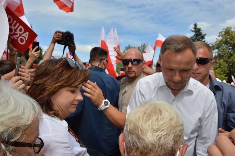 Wieliczka. Tłumy na spotkaniu z Andrzejem Dudą. Była kontrmanifestacja i wyzwiska [ZDJĘCIA]