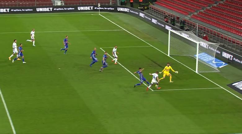 Liga Europy. Koniec przygody. Skrót meczu FC Kopenhaga - Piast Gliwice 3:0 [WIDEO]