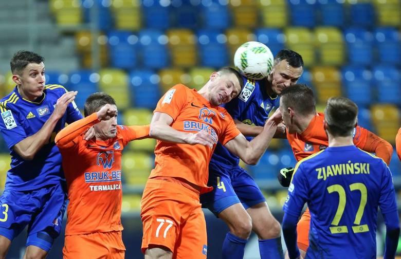 Krzysztof Sobieraj był w meczu z Termaliką Bruk-Butem Niecieczą najlepszy w barwach Arki. Zawodnik mówi o przyczynach porażki.