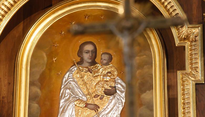 Cudami słynący wizerunek Matki Bożej Pocieszenia z Przeworska. Pierwsze świadectwa łask pochodzą z XVII w