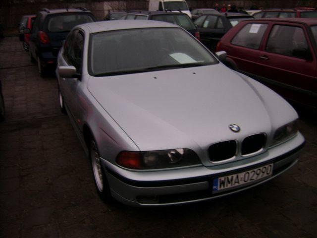 BMW 525, 1998 r., 2,5 TDS, 6x airbag, elektryczne szyby, klimatronic¸ ABS, komputer pokladowy, wspomaganie kierownicy, tempomat, immobiliser, 20 tys.