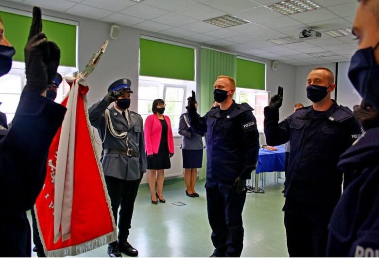 Nowi opolscy policjanci już po ślubowaniu.