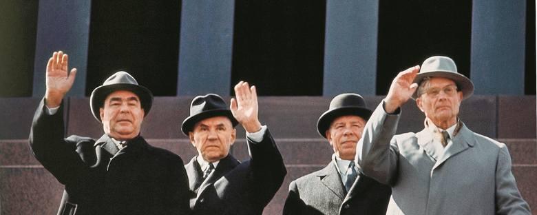 Maj 1967 r. Od lewej: Leonid Breżniew, Aleksiej Kosygin, Nikołaj Podgorny, Michaił Susłow. Wtedy Susłow był u szczytu swej kariery