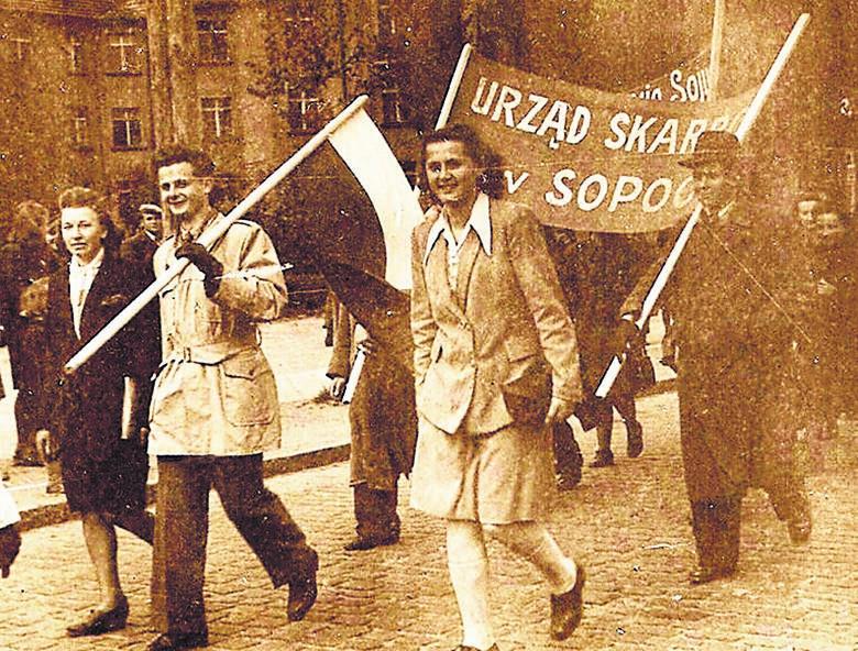 Jerzy Pawlak, kierownik III referatu Urzędu Skarbowego w Sopocie. Koniec lat 40.