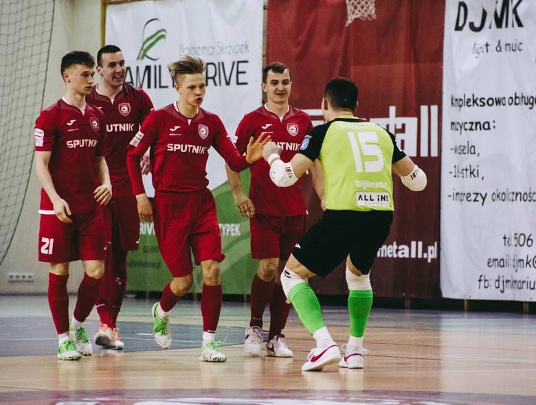 Red Dragons Pniewy mają dwa gole przewagi przed rewanżem za trzy tygodnie w Lęborku.