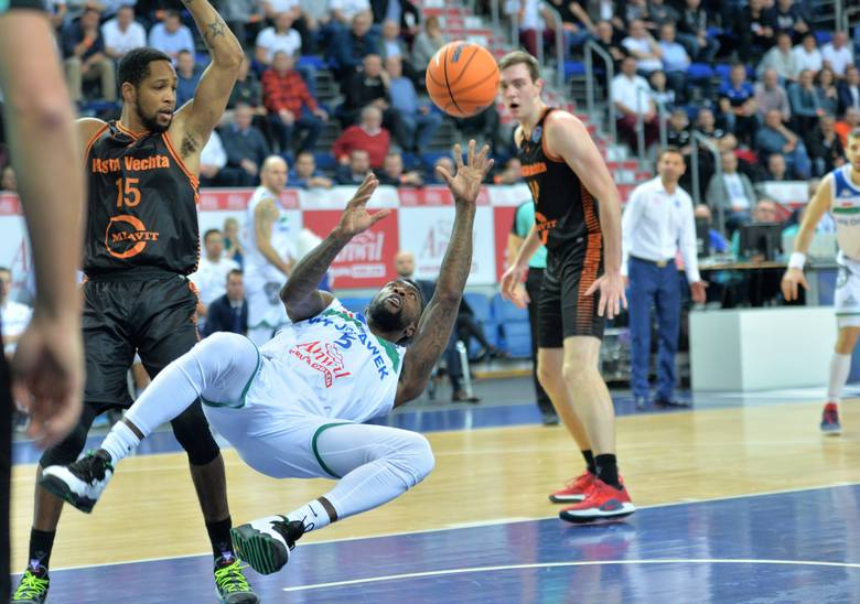 Anwil - Rasta Vechta 103:92Kwarty: 23:15, 25:29, 33:25, 22:23 ANWIL: Ledo 27 (5), 8 zb., 7 as., Jones 14, 11 zb., Freimanis 9 (1), Dowe 6, 7 as., Sokołowski