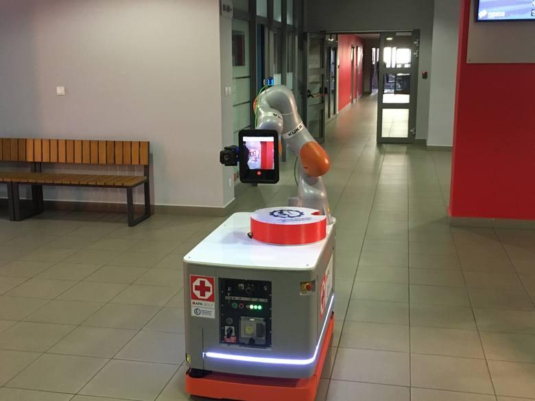 Specjalny robot odciąży personel medyczny w kontakcie z zakażonymi pacjentamiZobacz kolejne zdjęcia. Przesuwaj zdjęcia w prawo - naciśnij strzałkę lub