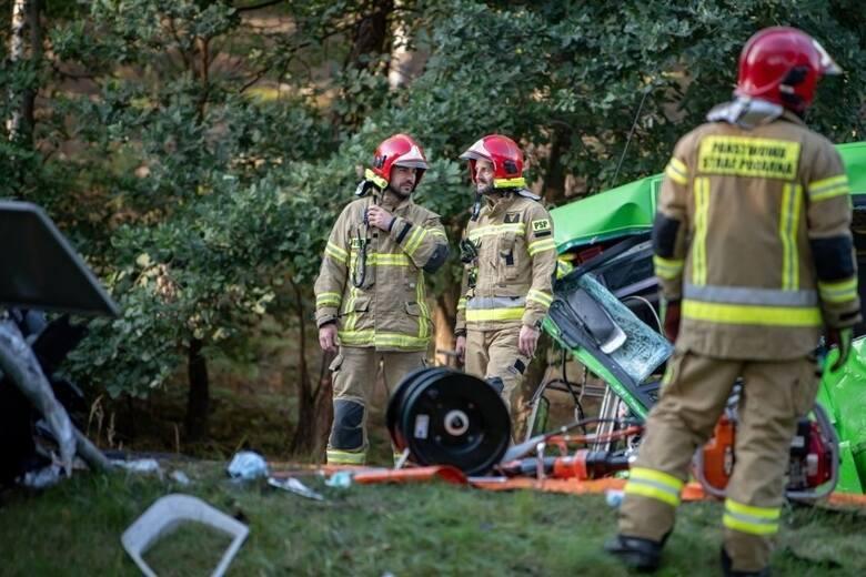 W akcji ratującej życie brali udział strażacy PSP i OSP -łącznie 13 zastępów