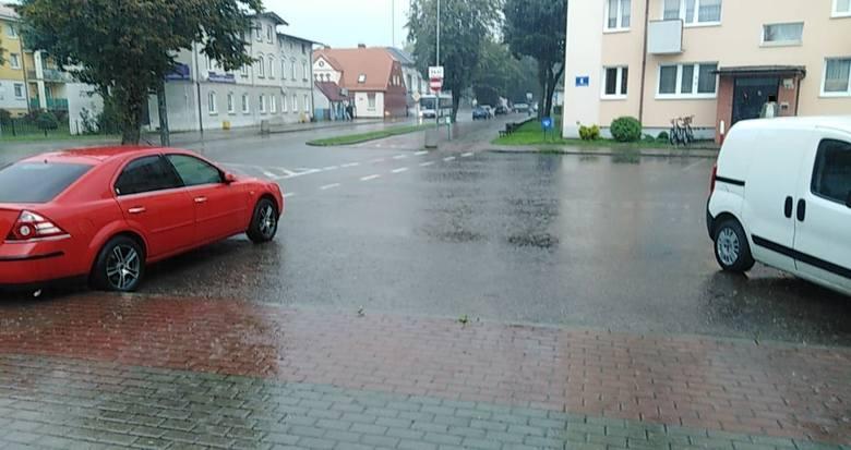 Po dużych zmianach w Ustce, ze względu na przebudowę ulicy Darłowskiej co jakiś czas tworzą się korki od strony Ustki i Darłowa . Ulewne deszcze powodują,