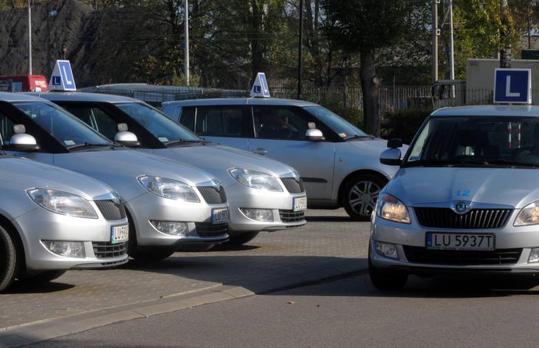 Zgodnie z polskim prawem kierowcą może zostać jednooki 99-latek z padaczką!