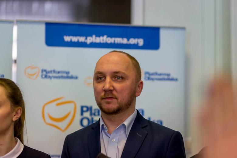 Przewodniczący rady miasta Łukasz Prokorym zaznacza, że celem akcji w żadnym razie nie jest promowanie kogokolwiek z działaczy, ale niesienie realnej pomocy. - Tak, by w każdym powiecie członkowie PO wspierali swoje małe ojczyzny - podkreśla. <br />