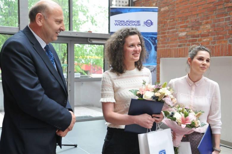Julia Lewandowska i Joanna Kowalska wygrały konkurs na kolorystyczną metamorfozę oczyszczalni ścieków. Wizji nie zrealizowano.