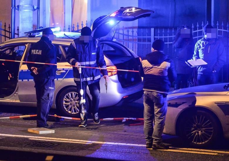 W czasie pościgu w Rudzie Śląskiej doszło do strzelaniny. Nie żyje 36-letni mężczyznaZobacz kolejne zdjęcia/plansze. Przesuwaj zdjęcia w prawo - naciśnij