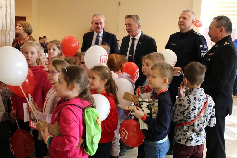 11 lutego w Świętokrzyskim Urzędzie Wojewódzkim Centrum Powiadamiania Ratunkowego w Kielcach zorganizowało wydarzenie z okazji dnia numeru alarmowego