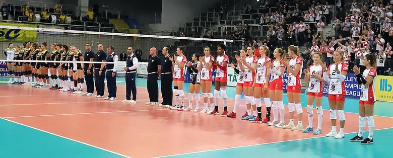 Zawodniczki ŁKS Commercecon Łódź pokonały w Atlas Arenie niemieckie siatkarki z SSC Palmberg Schwerin 3:1. Był to pierwszy mecz grupy D Ligi Mistrzyń.