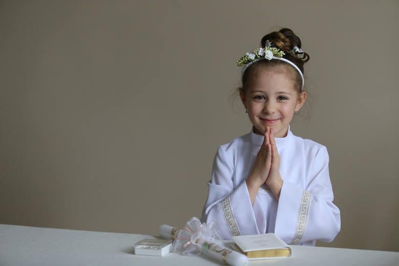 Życzenia z okazji Pierwszej Komunii Świętej powinny być dopasowane do okazji, co oczywiste, ale także do małego odbiorcy