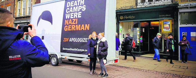 Jak pokazać światu, że obozy śmierci były niemieckie