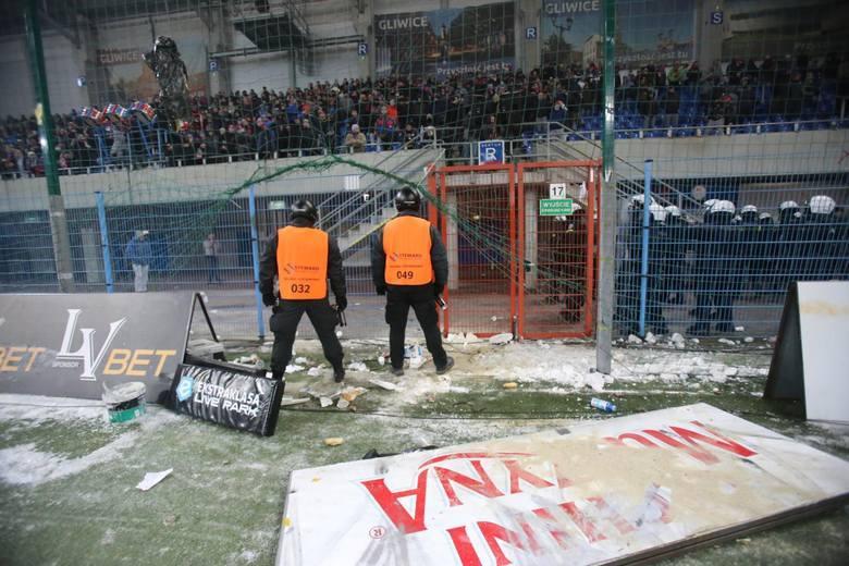 Największe stadionowe zadymy w Polsce w ostatnich latach [GALERIA]