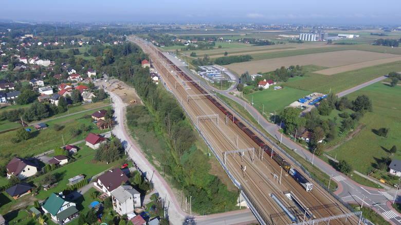 Rejon, gdzie będzie budowana obwodnica. W ramach inwestycji powstanie m.in. estakada - długa na 150 metrów - nad torami kolejowymi w Podłężu