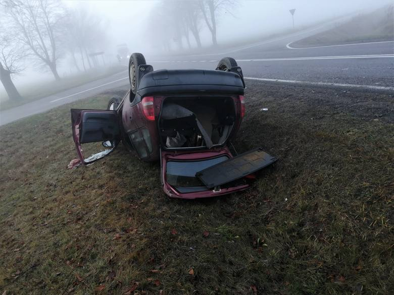 Piotrowo Krzywokoły. Wypadek na DK 19 na trasie Bielsk Podlaski - Siemiatycze. Dwie osoby poszkodowane [ZDJĘCIA]