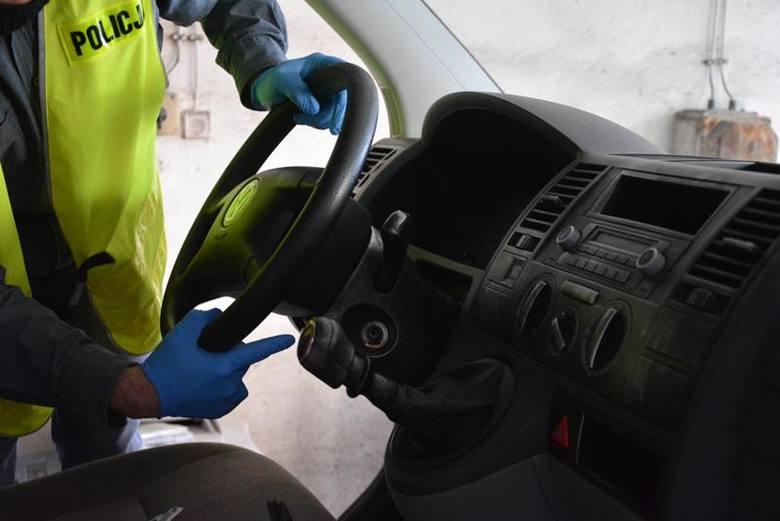 (jac)W poniedziałek, 25 kwietnia gubińscy policjanci otrzymali informację o skradzionym w Niemczech volkswagenie T5, który miał znajdować się na terenie