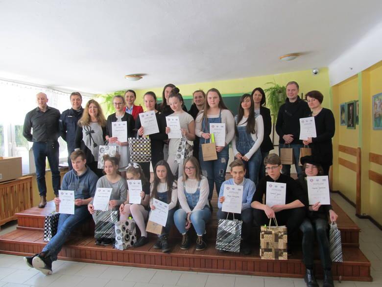 W Szkole Podstawowej w Postominie odbył się powiatowy etap II Wojewódzkiego Przeglądu Form Artystycznych pt. Porozmawiajmy o zdrowiu i nowych zagrożeniach.