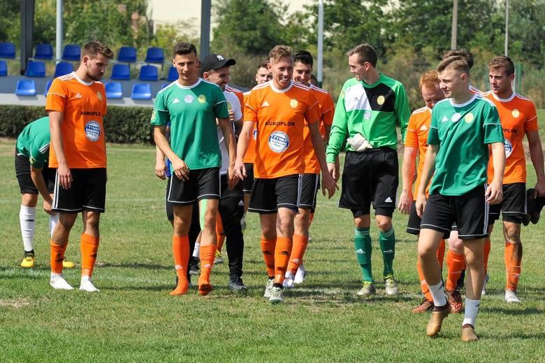 Dyscyplina: piłka nożna.Terminarz 13. kolejkiPorawie Większyce - Agroplon Głuszyna, Swornica Czarnowąsy - Skorogoszcz (oba 2.11, godz. 11),Start Namysłów