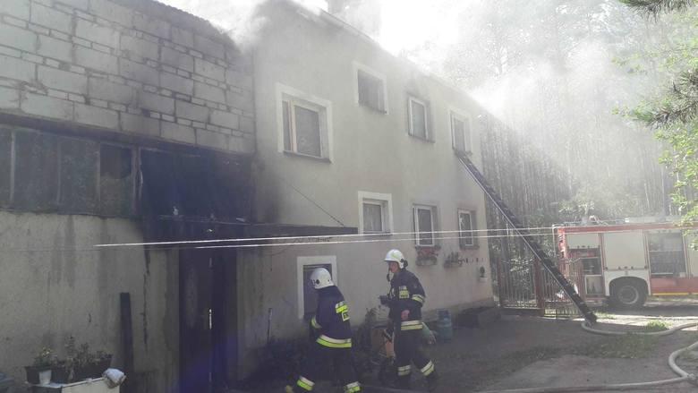 W czwartek (11 lipca) przed południem w domu, znajdującym się w Srebrnicy koło koronowa zapaliła się lodówka. Do akcji wysłane zostały dwa zastępy z