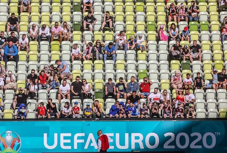 W słoneczne popołudnie 10 czerwca kibice oglądali z trybun otwarty trening reprezentacji Polski na stadionie w Gdańsku