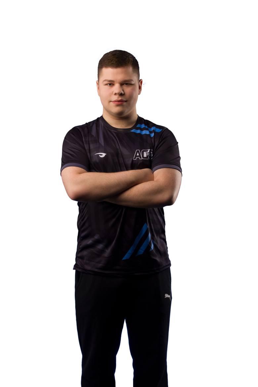"""Paweł """"Czekolad"""" Szczepanik - jeden z najlepszych graczy e-sportowych w Polsce i Europie."""