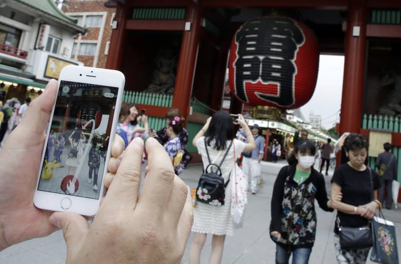 Turyści w różnych krajach muszą uważać na zwyczaje miejscowych.