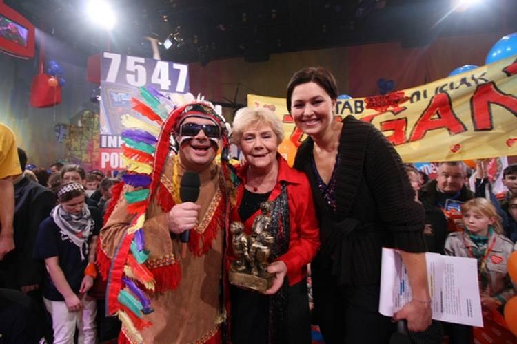 WOŚP wspierają gwiazdy sceny i ekranu. Na zdjęciu: Krzysztof Skiba, Teresa Lipowska i Beata Sadowska.