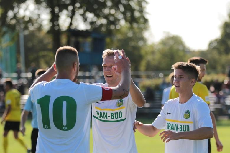 W kolejnym meczu trzeciej ligi zielonogórska Lechia podejmowała Gwarka Tarnowskie Góry. Oba zespoły podzieliły się punktami remisując 3:3 (3:2)Bramki